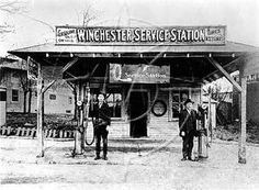 Winchester Service Station, Standard Oil of Kentucky, Winchester, KY, This was 2 yrs after my Dad was born Kentucky Attractions, Elizabeth City, Standard Oil, Clark County, My Old Kentucky Home, Gas Station, Main Street, Historical Photos, Back Home
