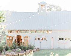 HammerSky Vineyards is a Wedding Venue in Paso Robles, California, United States. See photos and contact HammerSky Vineyards for a tour. Barn Wedding Venue, Barn Weddings, Wedding Rentals, Country Weddings, Vintage Weddings, Wedding Reception, Barn Garage, Garage Doors, Country Style Wedding
