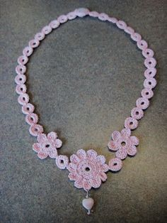 See Deb Craft: Mae Flower Necklace... Free pattern!