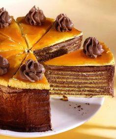 Dobos torta, a Hungarian cake Hungarian Desserts, Hungarian Cake, Romanian Desserts, Hungarian Recipes, Russian Recipes, Pie Cake, No Bake Cake, Sweet Recipes, Cake Recipes