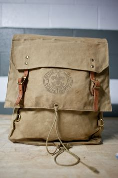 Scout backpack... Canvas Backpack, Backpack Bags, Canvas Leather, Leather Bag, Scout Bags, Men's Backpacks, Vintage Bags, Boy Scouts, Leather Working