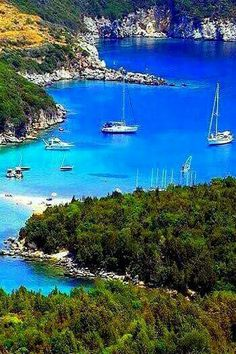 yachtcharter-kreuzfahrt-sardinien-yacht-boutique/ - The world's most private search engine Cruise Holidays, Italy Holidays, Wonderful Places, Beautiful Places, Cruise Italy, Places In Greece, Greece Photography, Beau Site, Greece Islands