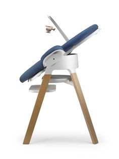 Brings Baby to the family table from Day 1. Award winning modular seating system Stokke Steps