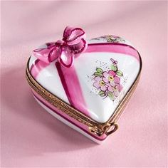 Limoges Heart with Pink Blow and Flowers Box The Cottage Shop