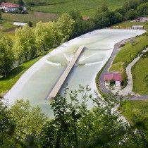 wavegarden-wave-basque-mountain-valley-surfing-00