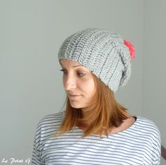 Bonnet long gris et pompon rose fluo Slouchy hat grey and pink by LePointG
