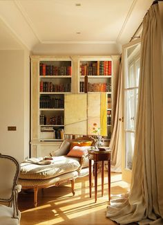 what a lovely reading room...