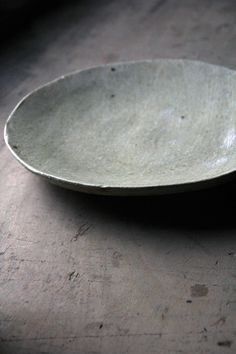 ceramic plate by katsumi machimura | dinnerware + tableware