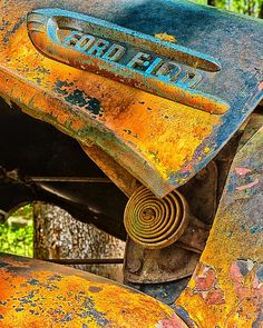 my-world-of-colour - Posts tagged world of patina Halle, Pompe A Essence, Rust Never Sleeps, Aging Metal, Rust In Peace, Rusty Cars, Rusted Metal, Peeling Paint, World Of Color
