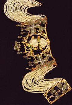 Lalique dog collar w/pears/ four-leaf clover/shamrocks: plique-à-jour, gold, diamonds, enamel