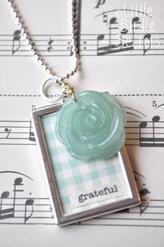 make your own jewelry with photos and paper | Little Birdie Secrets