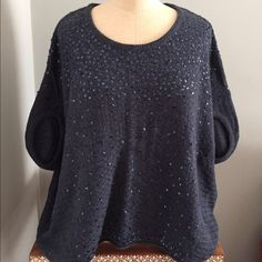 Free People Navy Short Sleeve Sequin Sweater XS 45% rayon/ 26% wool/ 22% nylon/ 7% angora rabbit hair. Worn but in good condition Free People Sweaters