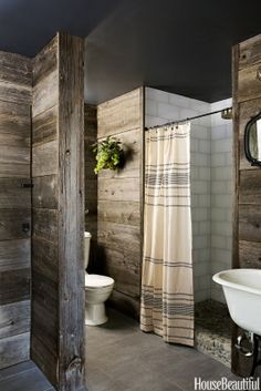 This year in bathroom design, we saw a variety of styles from calm, nature-inspired spaces to glamor