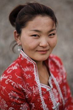 Mongolian woman - faces of the people