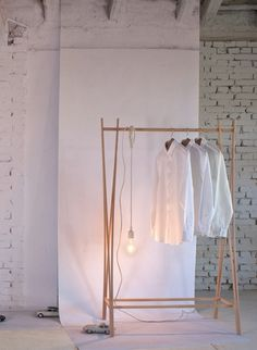 http://www.thecollection.fr/496-1479-thickbox/tra-ra-coat-stand-by-tomoko-azumi.jpg