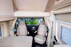 Globe-Traveller Pathfinder to linia modelowa, składająca z trzech wersji nadwozia polskiego kampera. Testujemy najkrótszą z nich - model Pathfinder XS... Camper Trailers, Motorhome, Boats, Car Seats, Model, Rv, Ships, Scale Model, Camper