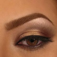 Get the perfect day to night look with just one palette! Check out this how-to tutorial and find out what eye shadows she used.