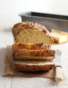 Easy Food Recipes and Cooking - Buttermilk and Cheddar Bread 10 – 12 Slices 1 x packet g) self-raising flour 100 g ml) ch. Best Bread Recipe, Easy Bread Recipes, Real Food Recipes, Baking Recipes, Dessert Recipes, Yummy Food, Cornbread Recipes, Cookie Recipes, Healthy Recipes