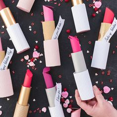 Paper Lipstick Valentines – Katelyn Wood Paper Lipstick Valentines DIY Paper Lipsticks on The House Lars Built My Funny Valentine, Valentines Day Gifts For Him, Valentines Day Party, Valentine Day Crafts, Valentine Decorations, Homemade Valentines, Homemade Christmas, Valentinstag Party, Soirée Pyjama Party