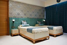 Dahanu- vijay ghodawat modern style bedroom by smstudio modern Bedroom False Ceiling Design, Bedroom Bed Design, Bedroom Furniture Design, Modern Bedroom Design, Home Decor Furniture, Home Decor Bedroom, Bedroom Corner, Bedroom Ideas, Master Bedroom
