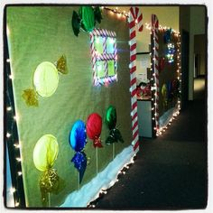 Gingerbread Cubicle: