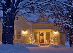Christmas Home in Grand Isle, Vermont, this is what I think Christmas should look like :)
