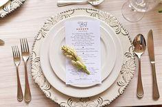 ► Arreglos de mesa para boda en color blanco. #arreglosdemesaparaboda