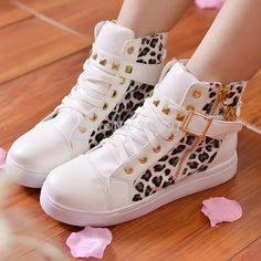 New 2015 fashion lace up high top women leopard print sneakers women canvas shoes women boot 2 color size 35-40 free shopping - http://www.freshinstyle.com/products/new-2015-fashion-lace-up-high-top-women-leopard-print-sneakers-women-canvas-shoes-women-boot-2-color-size-35-40-free-shopping/