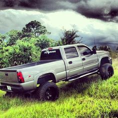Pack it light, or pack it heavy, take a truck, take a chevy ; even george straight's a chevy guy, who isn't? Lifted Chevy Trucks, Hot Rod Trucks, Dodge Trucks, Cool Trucks, 2005 Chevy Silverado, Atv Car, Future Trucks, Chevy Girl, Truck Art