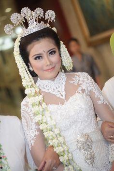 Putri, West Java Bride