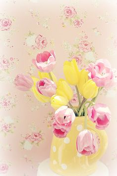Spring Tulips - By lucia and mapp Gespot door www. Mellow Yellow, Pink Yellow, Pink And Gold, Pink And Green, Lavender Green, Lemon Yellow, Yellow Flowers, Vases, Yellow Cottage