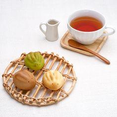 うさぎさん Usagi-san ; Rabbit-shaped manju, filled with bean paste