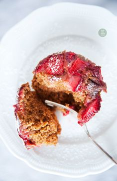 Simple vegan strawberry muffins