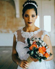 Moment of Bride #ronnyvianafotografia #Piracicaba #brazilianphotographer #Brasil #retouching #vsco #bride #American #flowers #buquetdenoiva #noivasrj #noivasp #noivasbrasil #noivas #flowesbuquet #cores #americanphotographer #noivaspiracicaba...