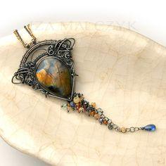 Euryale - unique silver pendant with labradorite and assorted gemstones. Iza Malczyk: http://www.izamalczyk.com/en/gallery-615-4424.html