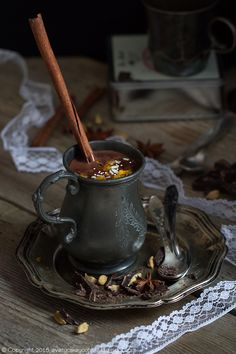 Creamy and delicious spiced hot chocolate (in Polish) Chocolate Shop, Chocolate Coffee, Chocolate Cake, Extra Recipe, Chocolate Caliente, Dessert Recipes, Desserts, Churros, Cocktail Recipes