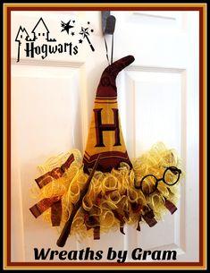 Harry Potter aesthetic; Harry Potter inspired wreath; Harry Potter Gryffindor; Hogwarts houses; Harry Potter houses; Harry Potter wall decor; Harry Potter nursery theme; Harry Potter gift ideas; Harry Potter baby nursery; Harry Potter inspired decor; Harry Potter fans gifts; Harry Potter glasses; Wizarding world of harry potter; Hogwarts castle; Harry Potter themed bedroom #harrypotter #hogwarts #gryffindor #harrypottergifts #sortinghat #deathlyhallows #harrypotterkids