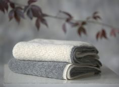autumn in DaWanda Baby Blankets – Baby alpaca wool gray and white blanket – a unique product by Ingugu on DaWanda