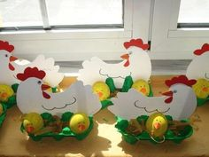 Crafts,Actvities and Worksheets for Preschool,Toddler and Kindergarten.Lots of worksheets and coloring pages. Farm Crafts, Daycare Crafts, Diy And Crafts, Arts And Crafts, Easter Projects, Easter Crafts For Kids, Chicken Crafts, Basket Crafts, Easter Art