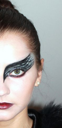 New black bird makeup ravens crows Ideas New black bird makeup ravens crows Ideas,halloween costumes New black bird makeup ravens crows Ideas costume makeup cutcrease makeup ideas inspiration eye makeup The Black Swan, Dark Swan, Black Dark, Raven Costume, Bird Costume, Bird Makeup, Makeup Art, Makeup Ideas, Makeup Hacks