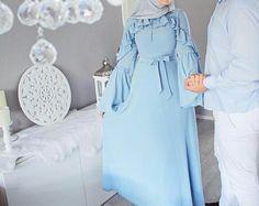 Hijab Outfit, Dress Outfits, Dress Up, Modele Hijab, Muslim Couples, Hijab Fashion, Couple Goals, Cute Couples, Holding Hands