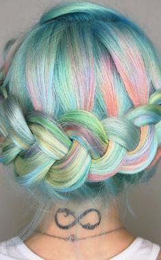 Rainbow Braids http://asubtlerevelry.com/festive-friday-5-fun-things-4