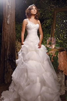 300USD wedding dress