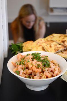 Spansk tapas, chili- & vitlöksräkor. Spanish Tapas, Spanish Food, Risotto, Cooking, Ethnic Recipes, Drinks, Kitchen, Cuisine, Cuisine