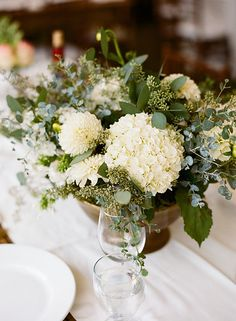 Floral design: Lily & Co. Photographer: Carrie Patterson Jackson Hole Wedding