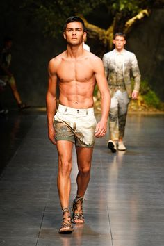 dolce and gabbana ss 2014 men fashion show runway 24 Dolce & Gabbana Mens SS14 Catwalk Show