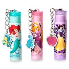 Add a touch of sparkle to dress-up time with our enchanting Disney Princess lip balm set. Each of the three delicious scents is adorned with a favourite princess and comes with a removable trinket! Makeup Kit For Kids, Kids Makeup, Barbie Doll Set, Barbie Doll House, Baby Girl Toys, Toys For Girls, Disney Makeup, Diy Lip Balm, Lol Dolls