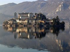 Isola San Giulio 5 islas pequeñas que se quedaron congeladas en la Edad Media en Europa