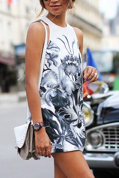 Sleeveless Dress in Floral Print