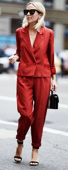 red and black trends | suit + bag + heels